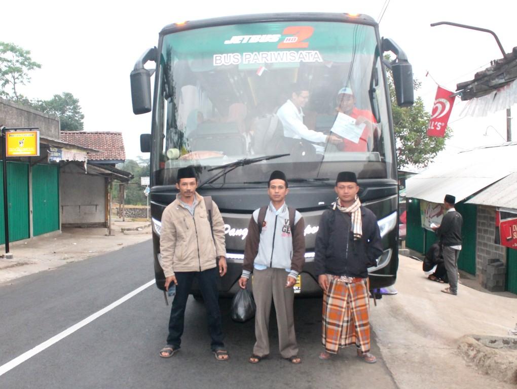 Ziarah & Wisata Religi Kelompok Manakib GP Ansor Dluwak Jati Plantungan Kendal